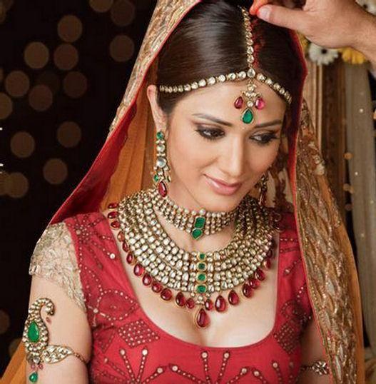 Indian Wedding Headdress: Bridal Makeup Video In Hindi Age