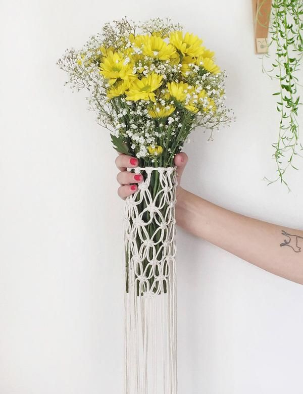 Macrame Flower Bouquet Wrap | cheyenne/wedding | Pinterest | Flower ...