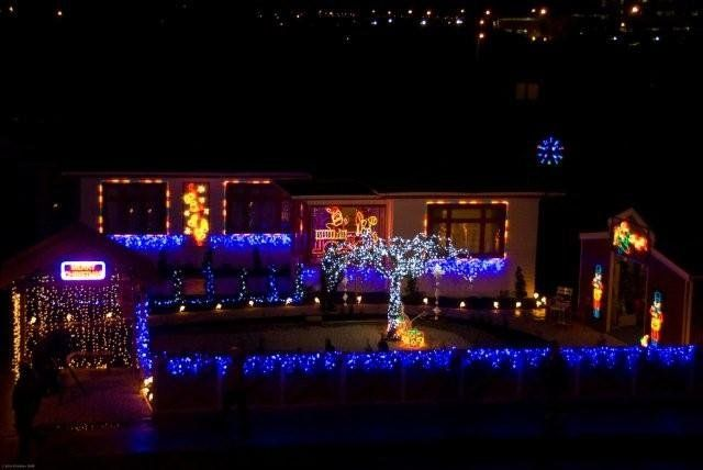 Christmas Lighting By Flexilight Christmas Lighting Christmas Lights Christmas House