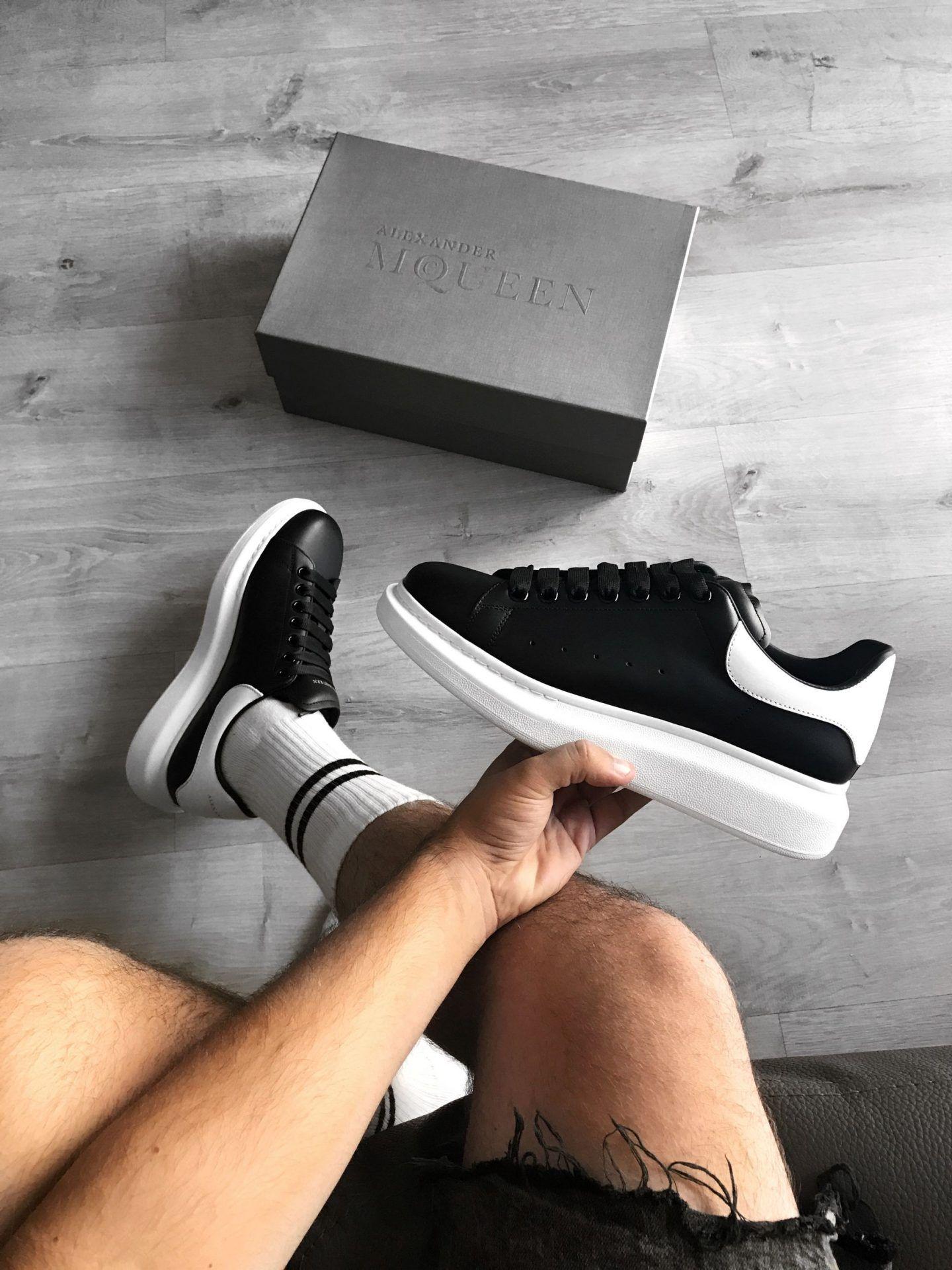Alexander Mcqueen Oversized Sneaker Alexander Mcqueen Oversized Sneakers Sneakers Alexander Mcqueen Sneakers