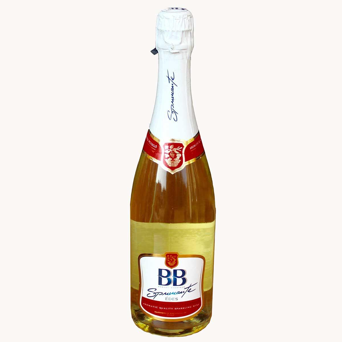 Spumante ist der Jüngste von BB Sekt mit fruchtigem Geschmack nach Muskat mit einer angehmen Säure. Alkoholgehalt 7 % Trinktemperatur 5 - 7 C