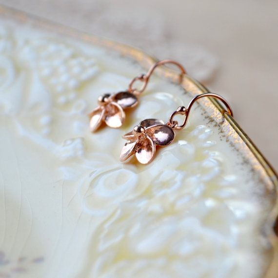 Rose Gold Earrings Flower Earrings Dainty Rose By Phoebedreams Rose Gold Drop Earrings Rose Gold Earrings Drop Earrings
