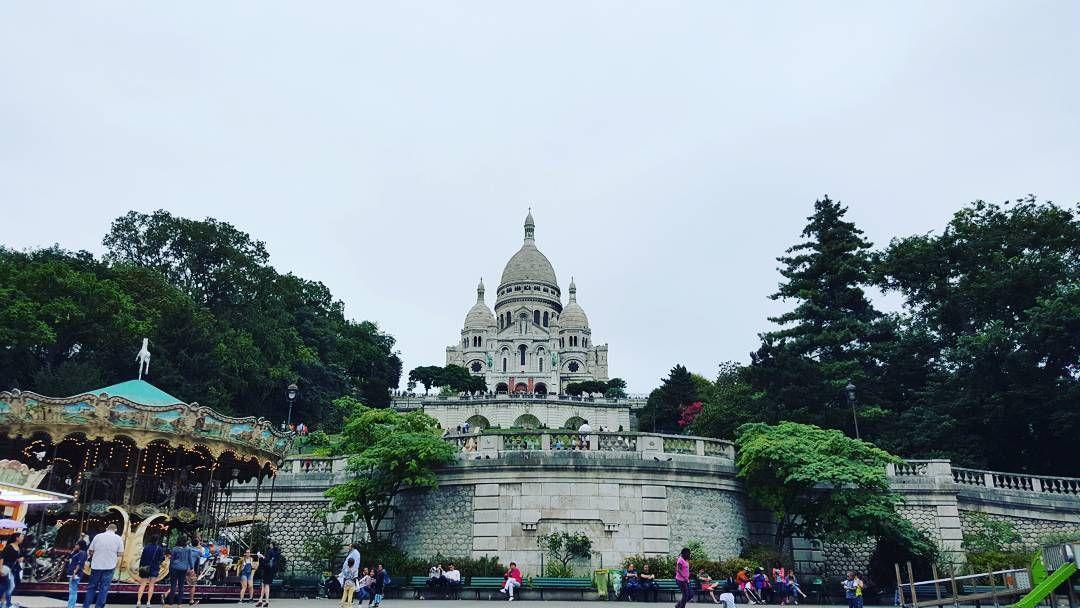 Link in bio#thatchillaxdude  From the bottom!  #followyourarrow #travel  #wandern #travelbug #travelgram #wanderlust #notallwhowanderarelost #instalike #instatravel #instatraveling #photography #holiday #tourism #followme #travelblogger #passportready #worldtravel #natgeo #wander #explore #explorer #summer #europe #france #paris #parisisalwaysagoodidea