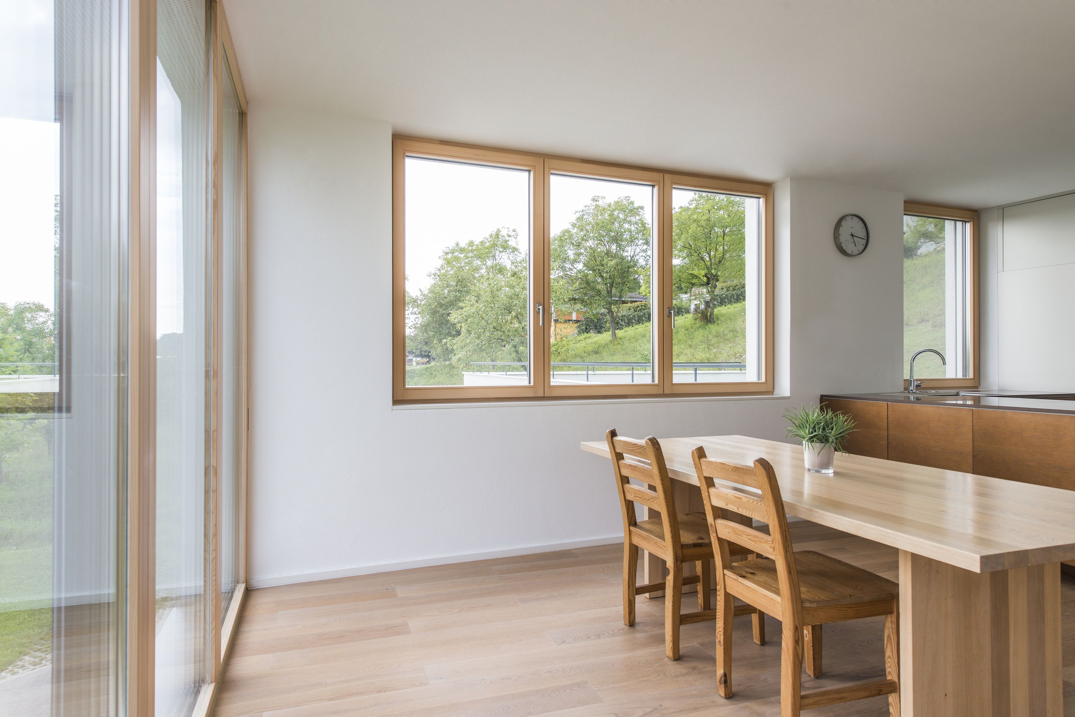 Holzdielen Außen Dining Room With Timber Aluminium Windows From Internorm Fenster