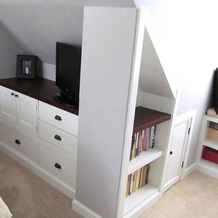 kommode nach ma f r eine dachwohnung sie wird den schwierigen bedingungen unter der. Black Bedroom Furniture Sets. Home Design Ideas