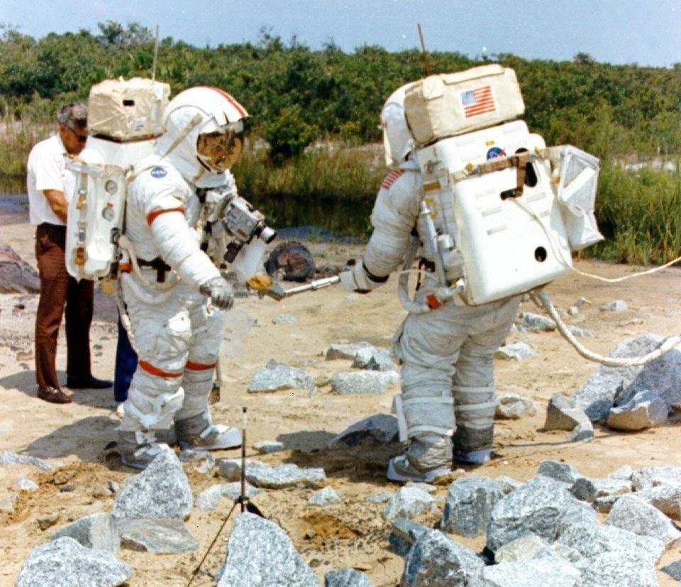 astronauts apollo 17 - 960×827