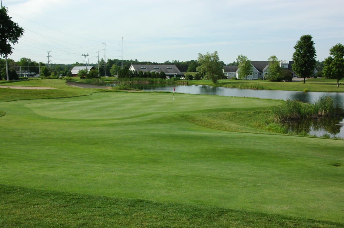 Located In The Emerald Green Hills Of Traverse City S Southwest Side The Crown Golf Club Takes Advantage Of Northern Michigan S Ro Golf Courses Golf The Crown