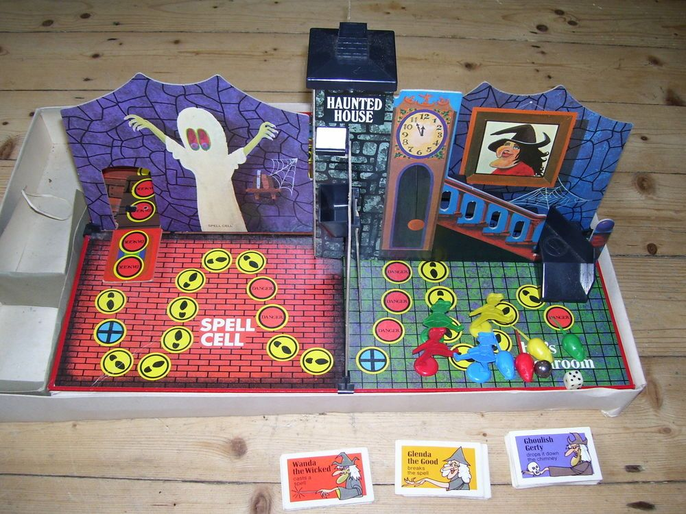VINTAGE HAUNTED HOUSE GAME Hours and hours of fun