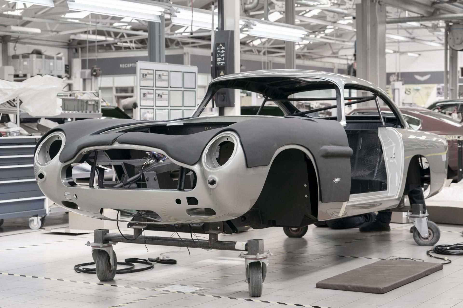 Aston Martin Restarts Production Of The Db5 Goldfinger