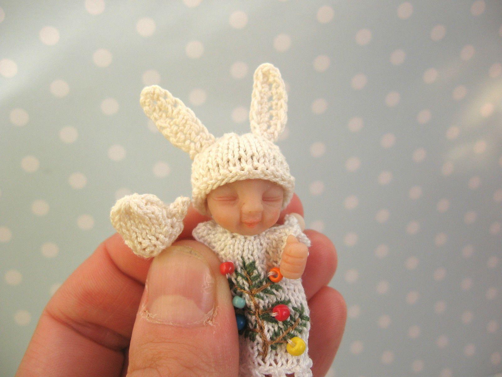 cf14932a9 1 12 Miniatur HANDSCHUHE Mütze Schal Handgestrickt für OOAK Baby ...