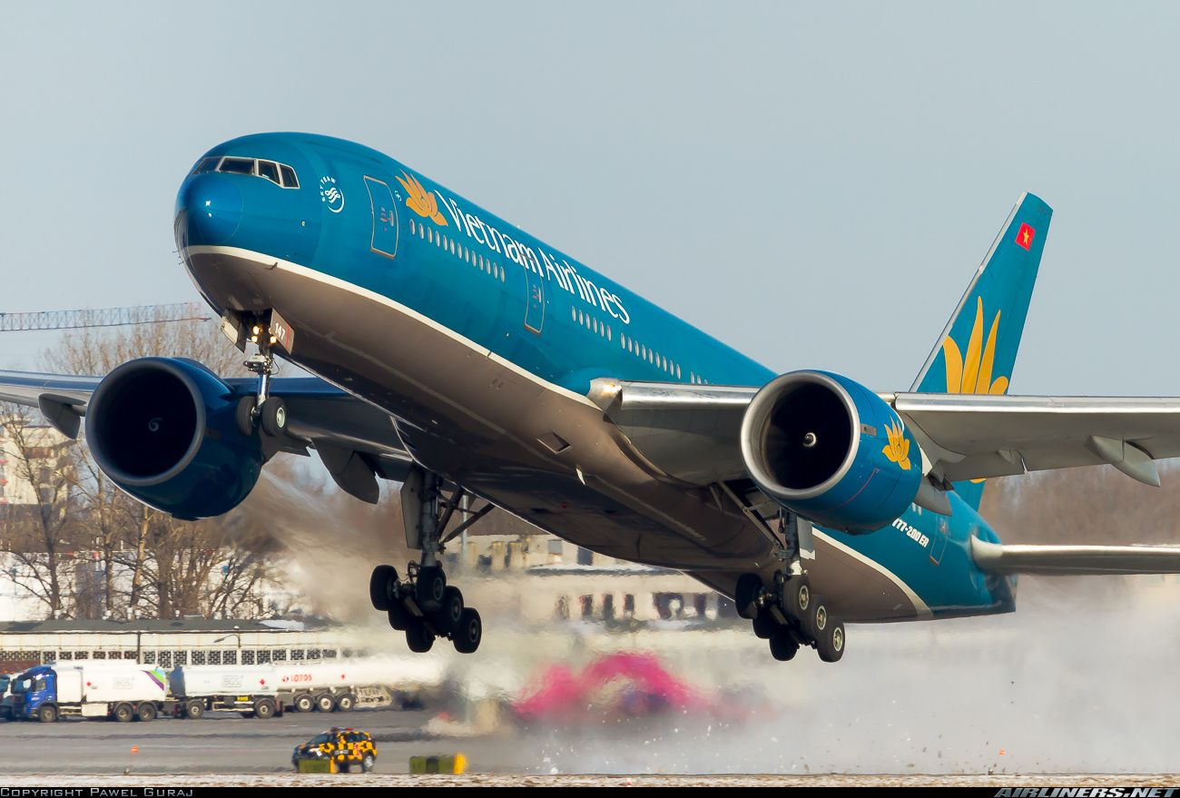 Vietnam Airlines VN-A147 Boeing 777-2Q8/ER aircraft picture