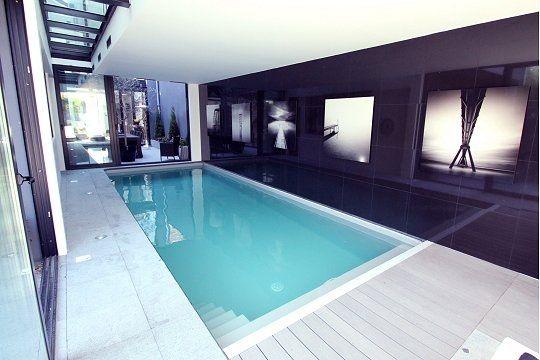 Piscine int rieure contemporaine piscine pinterest piscines int rieur int rieur for Piscine design contemporaine