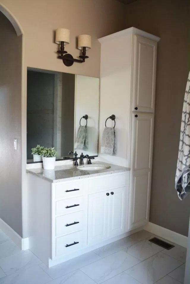 35 Creative Bathroom Cabinet Remodel Ideas Bathroomcabinets Bathroomremodel Bathroomremodelin Small Bathroom Vanities Small Bathroom Modern Small Bathrooms