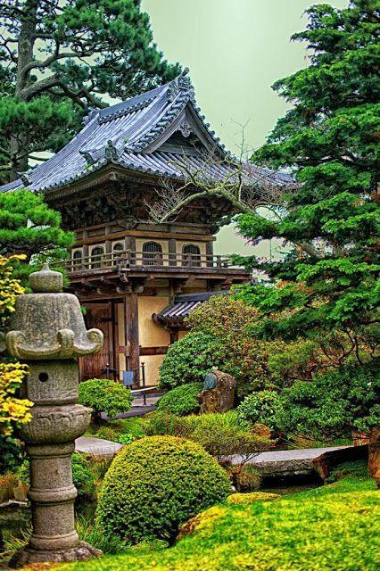 The Japanese Tea Garden In San Francisco California Is A Popular Feature Of Golden Gate Park Originally Built Japanese Garden Beautiful Gardens Japan Garden