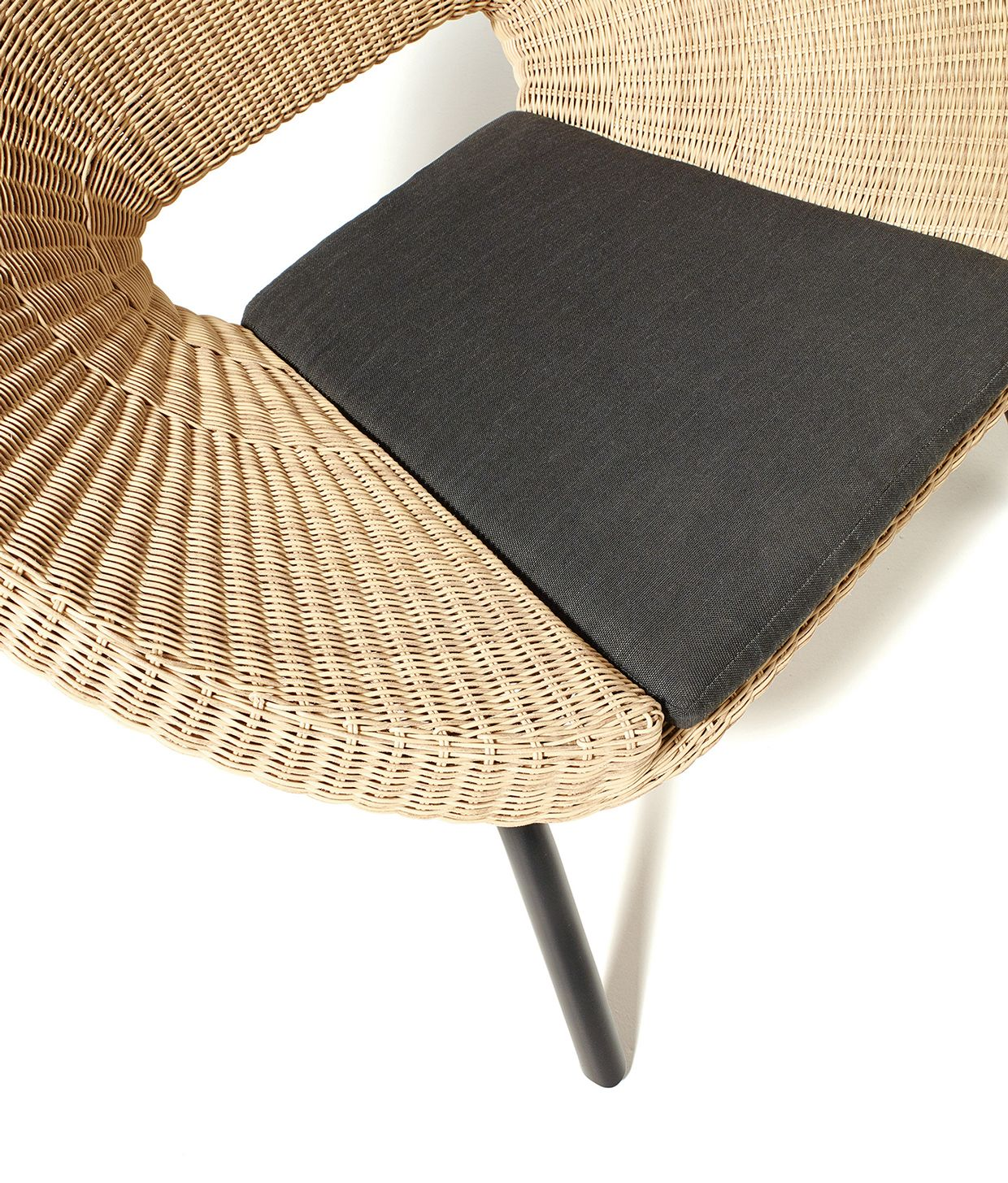 Loa Outdoor furniture for BLOOMA by Kingfisher Sourcing & Offer ...