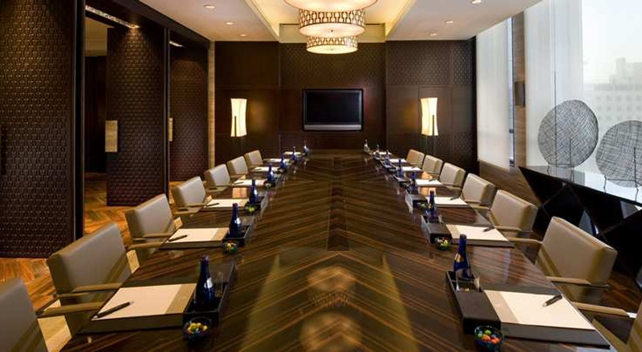 Exclusive meeting room interior design ideas interior for Conference room design ideas office conference room