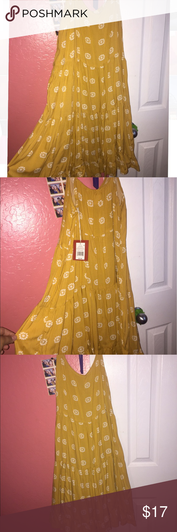 Sunflower dress Golden sunflower dress. Never worn. Perfect condition. :) Dresses Midi