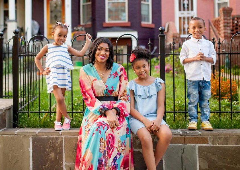 sandra-bullock-grants-for-teen-mothers