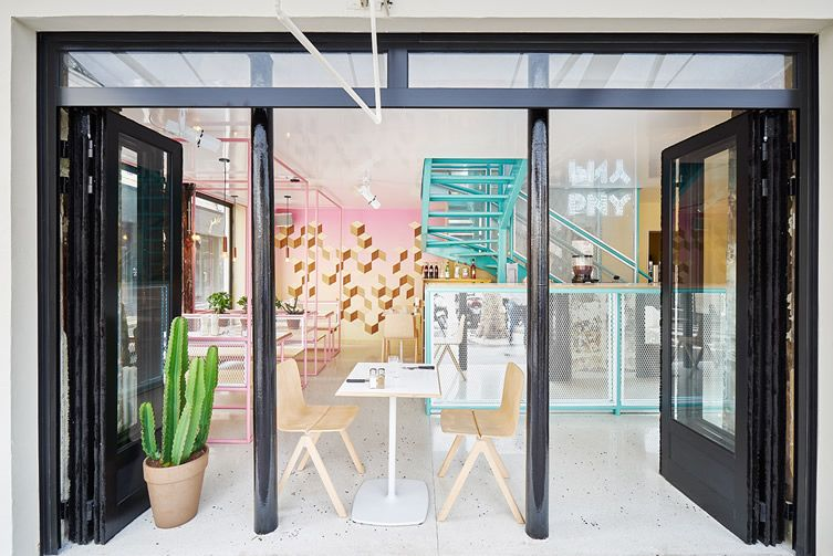 """Paris New York burger chain goes tropical with Miami-inspired outlet in the Marais... """