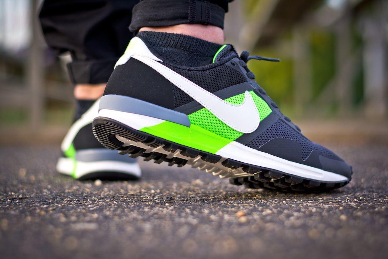 new concept 9f1d4 a6ce5 Nike Air Pegasus 83 30 (Flash Lime)