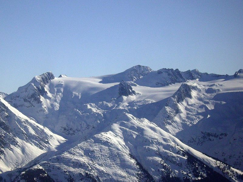 Der Medelsergletscher (auch Medelser Gletscher; rätoromanisch Glatscher da Medel) ist ein Alpen-Gletscher in der Surselva im Kanton Graubünden in der Schweiz.