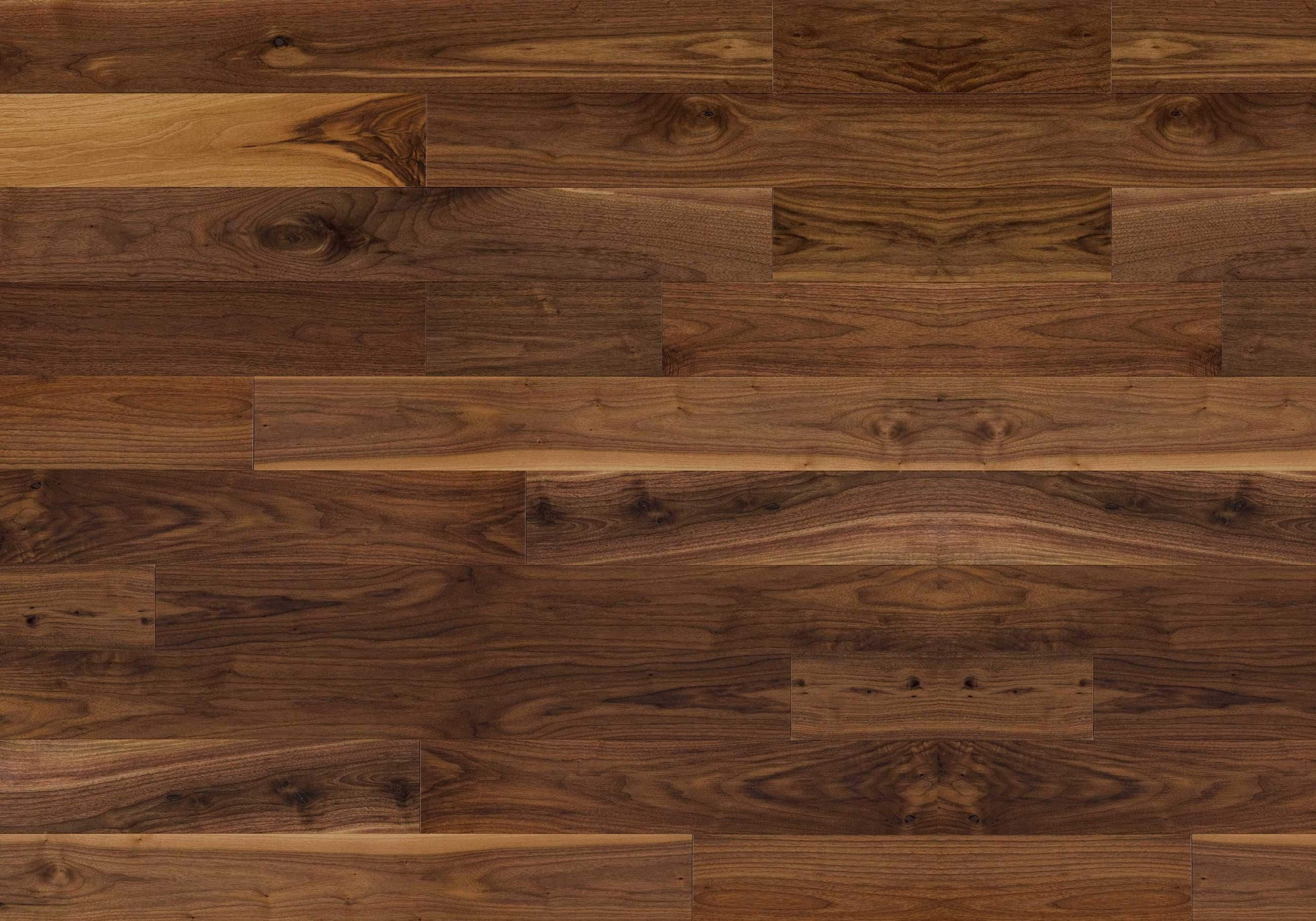 Natural ambiance black walnut exclusive lauzon for Hardwood laminate
