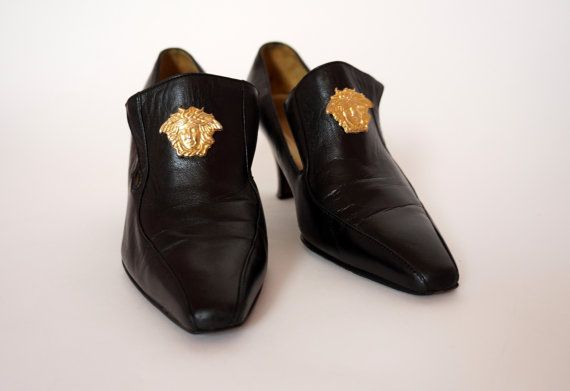 Gianni Versace Vintage Shoes Heels Runway Catwalk Iconic Gold Medusa Pumps Shoes Size 37 Shoes Heels Vintage Versace Heels Vintage Shoes
