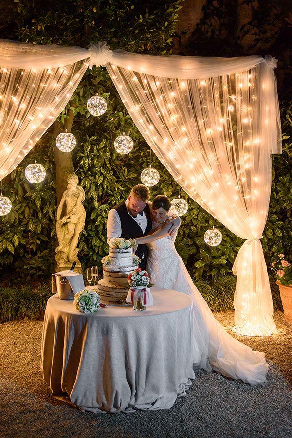 Luci Per Matrimonio Idee Luminose Per Allestire La Location Luminal Park Matrimonio Nozze Matrimonio All Aperto
