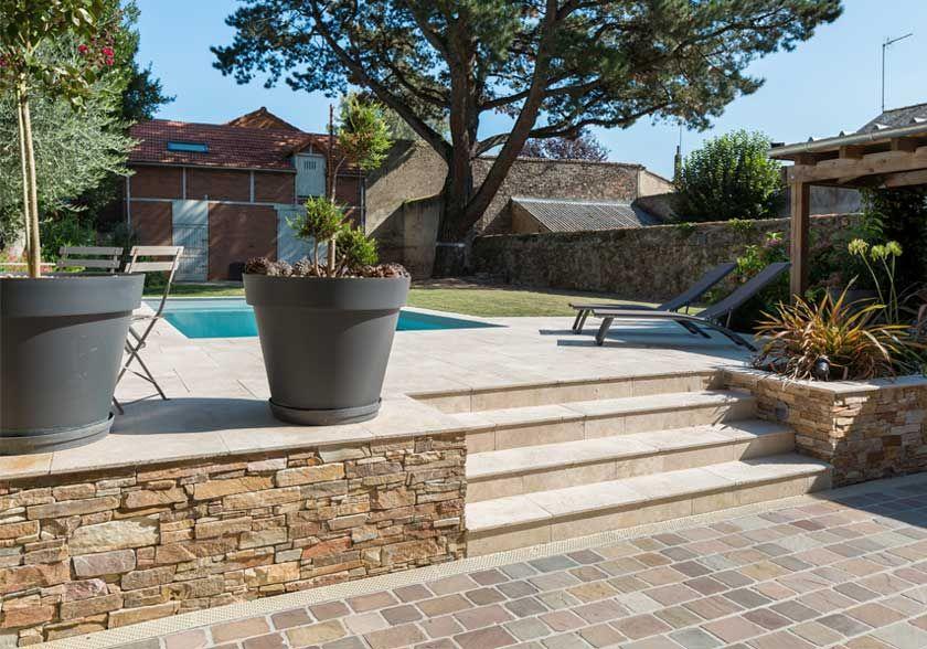 Pierre Cupa Stone Pour Un Projet De Terrasse Avec Piscine A Cholet Piscine Et Jardin Escalier De Jardin Amenagement Jardin