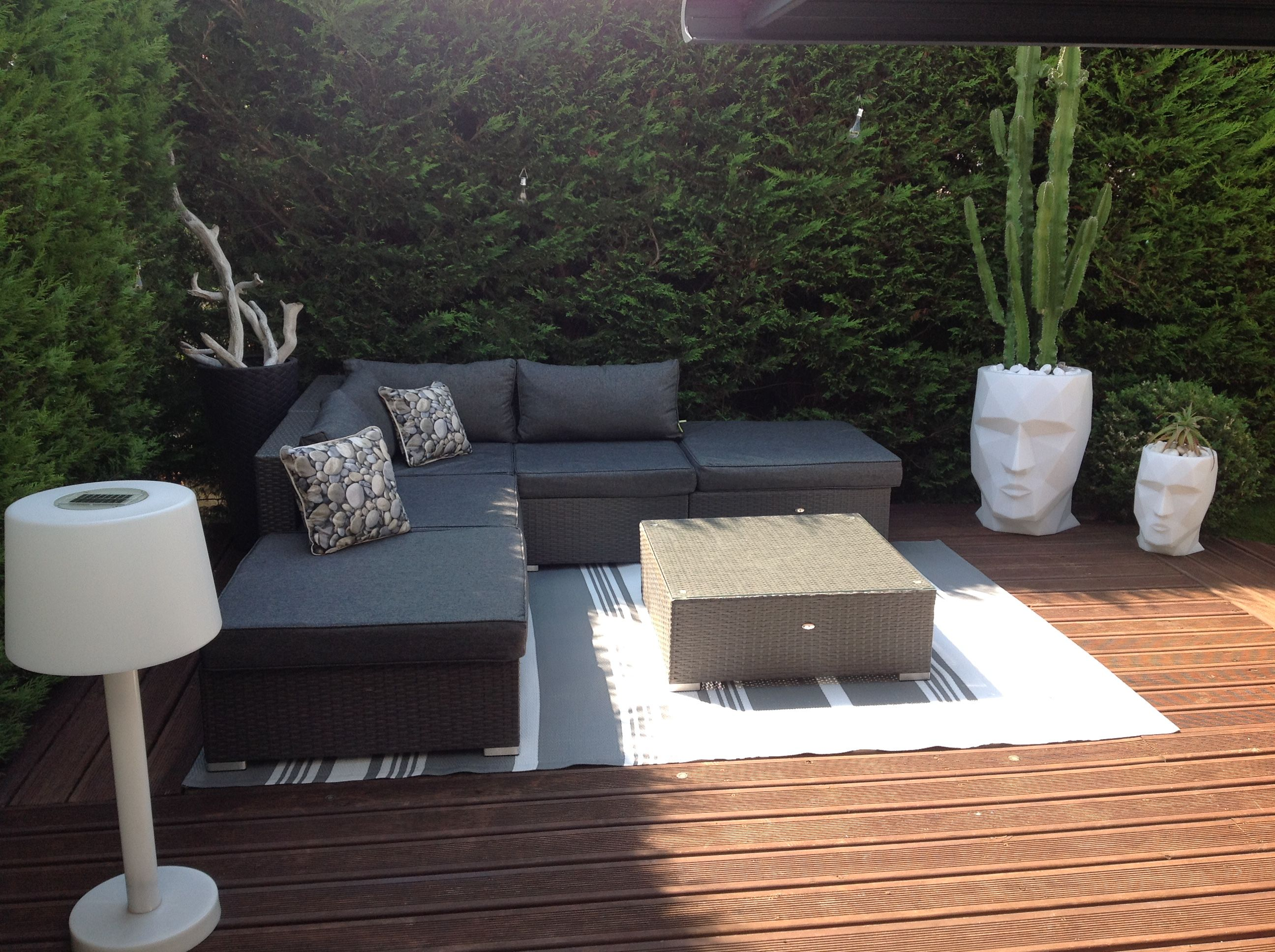 Milano salon de jardin 7 places en r sine tress e for Palette deco terrasse