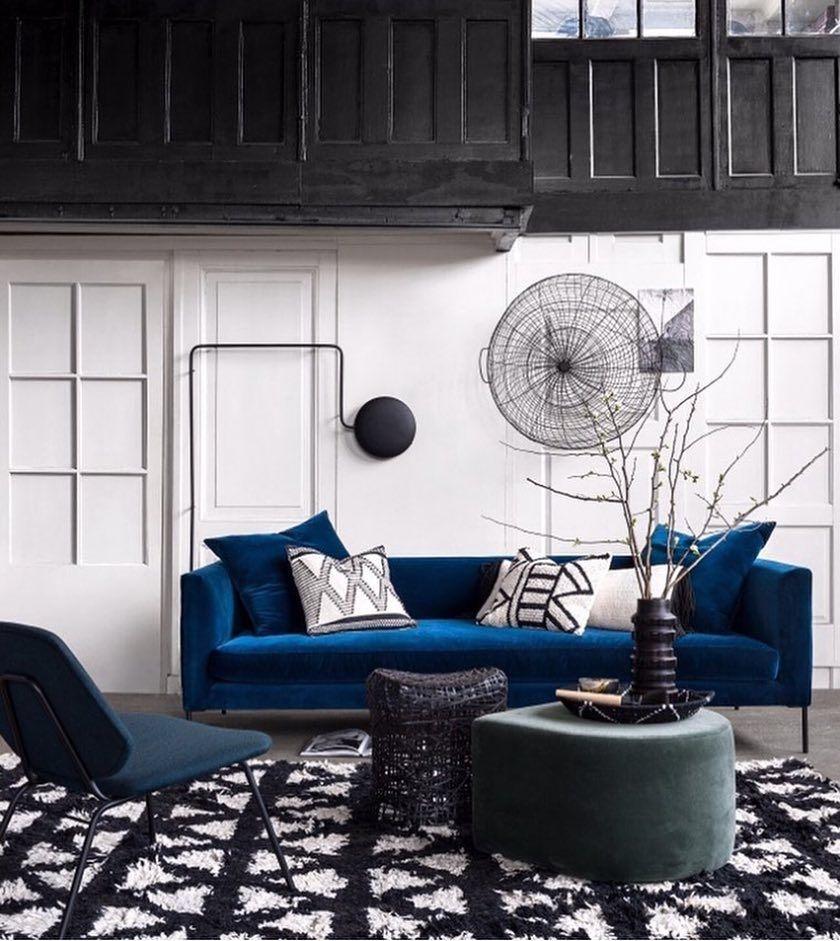 Visites  Decoration salon, Idée déco studio, Deco noir et blanc