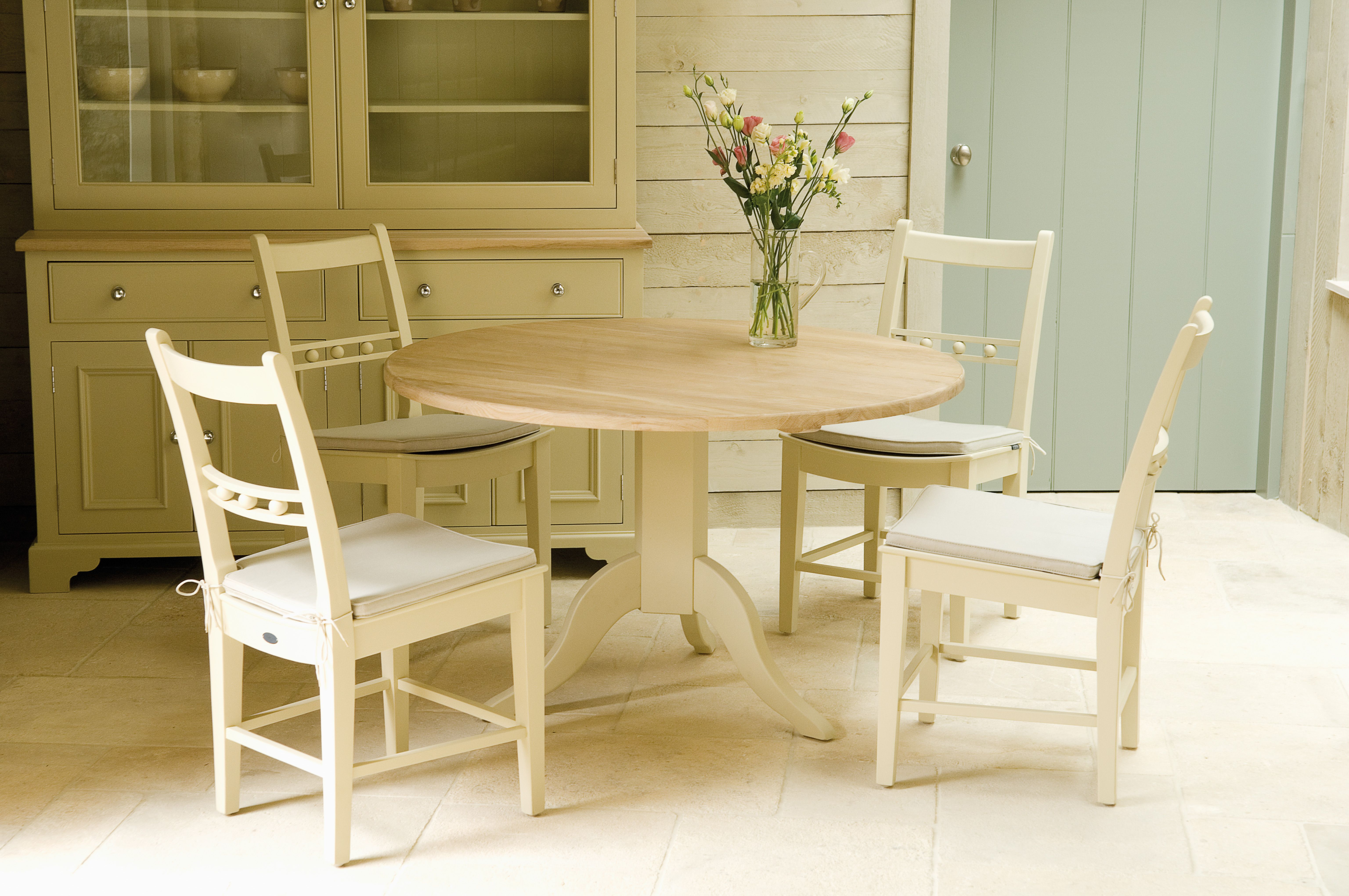 Chichester 120cm Table on Pedestal