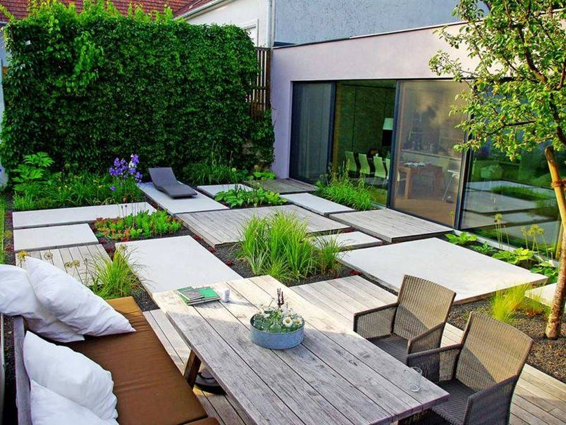 18 Outstanding Small Yard Designs That Are Worth Seeing Small Backyard Landscaping Modern Backyard Landscaping Backyard Patio