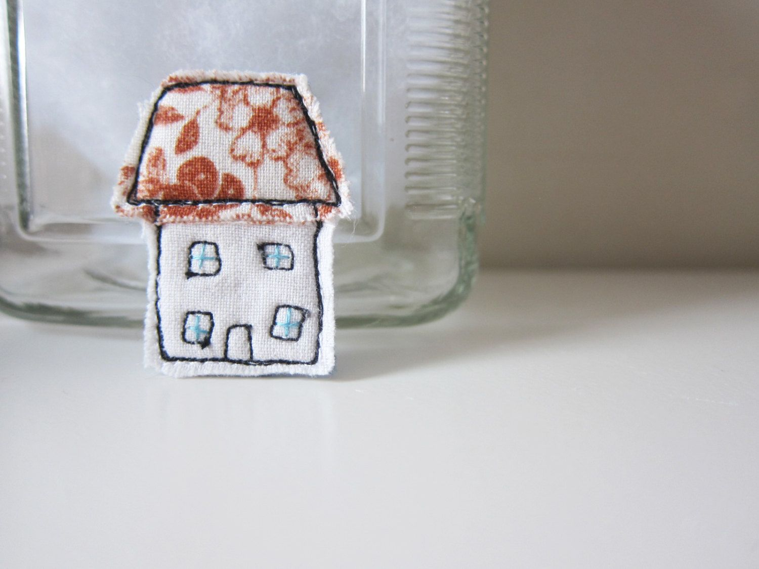 Free motion embroidery brooch : a little english cottage . handmade pin brooch embroidery . fabric art small house by LittleBirdOfParadise on Etsy https://www.etsy.com/listing/200197411/free-motion-embroidery-brooch-a-little