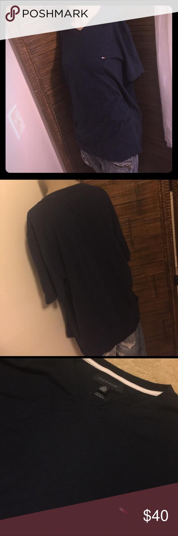TOMMY HILFIGER V NECK TSHIRT NAVY XL CUSTOM FIT Tommy Hilfiger v neck TSHIRT navy Blue size XL for like a M L Mens Custom Fit Tommy Hilfiger Shirts Tees - Short Sleeve