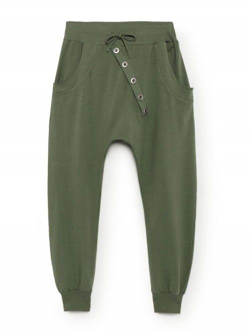 Joli survêtement kaki chic pour femme made in italy. Jogging en coton vert  kaki coupe 98cf46b8885