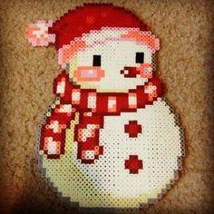 muñeco de nieve con hama beads, hama mini, perler, etc