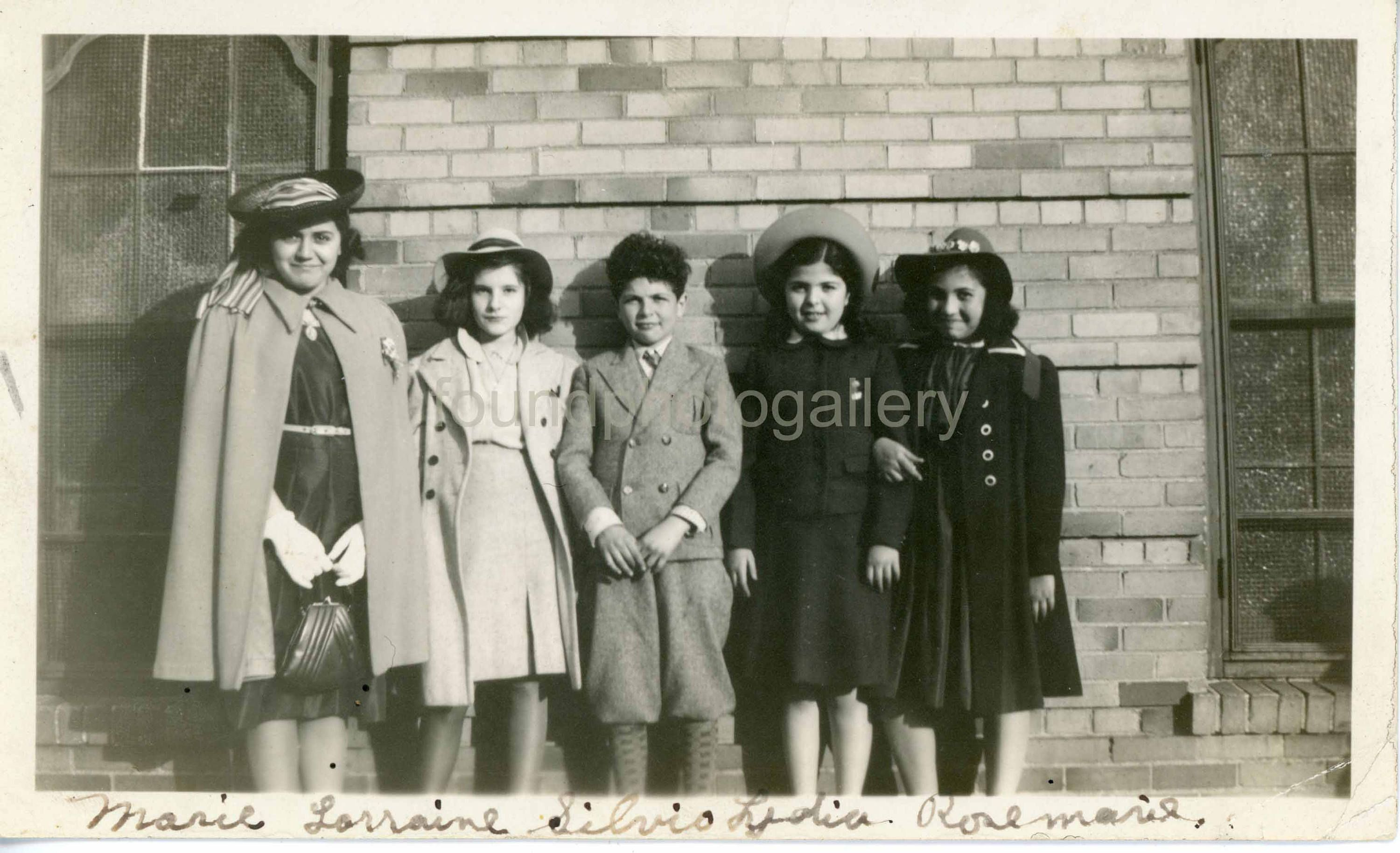 Vintage photo family photo snapshot woman boy and girls 1930s