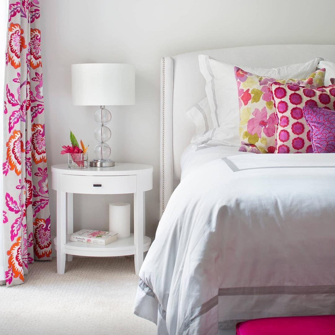 On instagram by keepsmesmilling #homedesign #contratahotel (o) http://ift.tt/1lZQXhi bed #bedroom #bedroomdecor #decor #interior #houzz  #house #design #interior #interiors #interiordesign #architecture #inneneinrichtung #innenarchitektur #living #lamp #bedsidetable #table