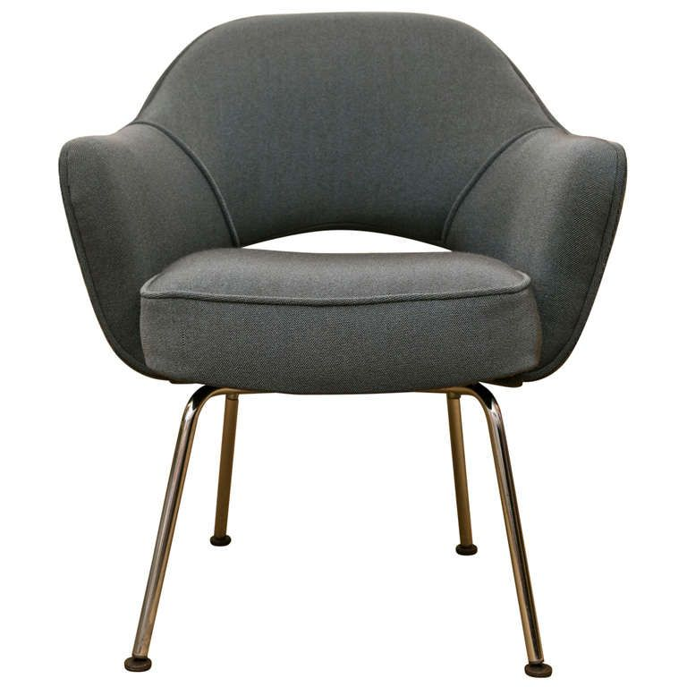 Period 1960 S Eero Saarinen Executive Lounge Chair 1stdibs Com