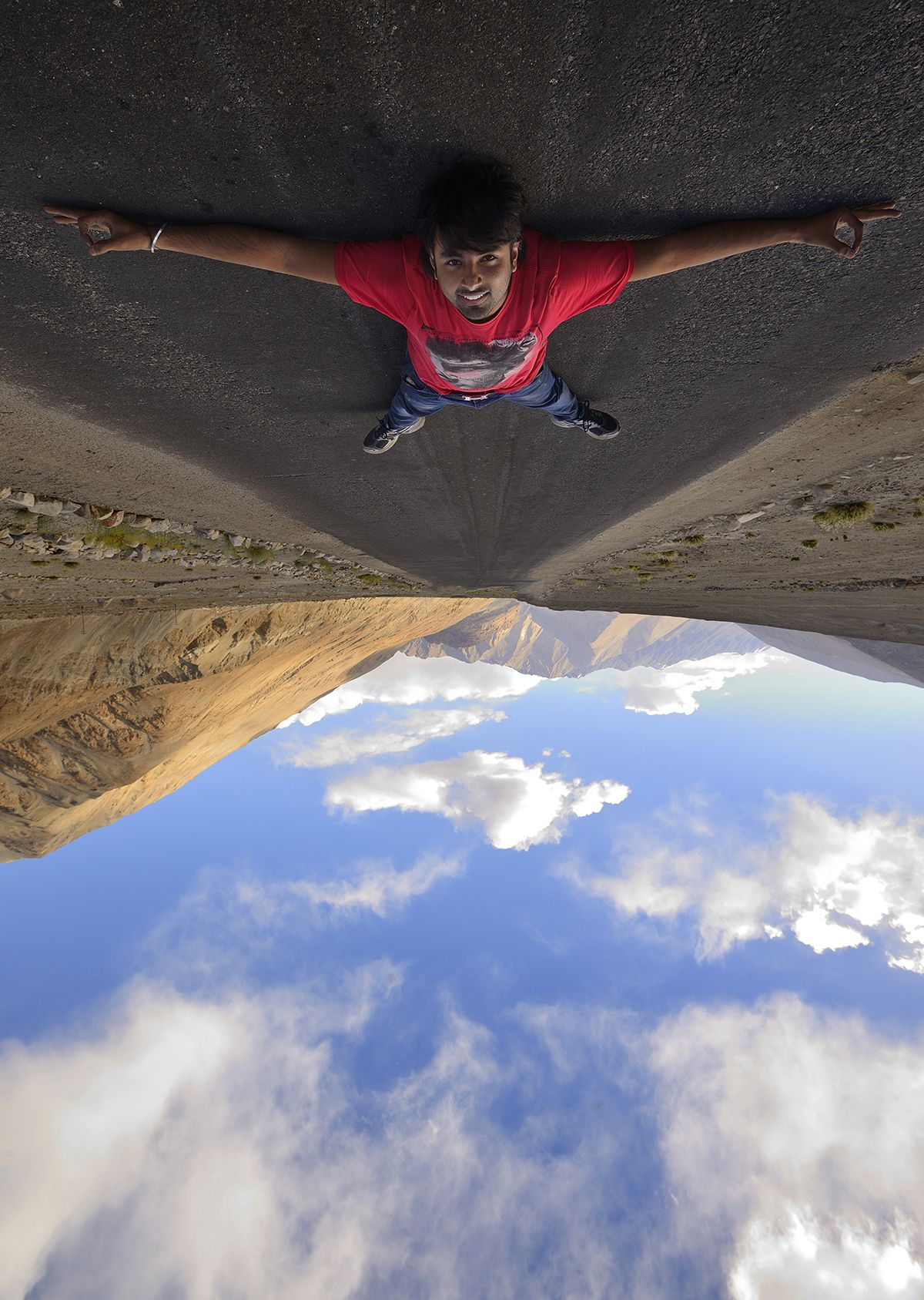 World is Upside Down... Forced Perspective Photography ...