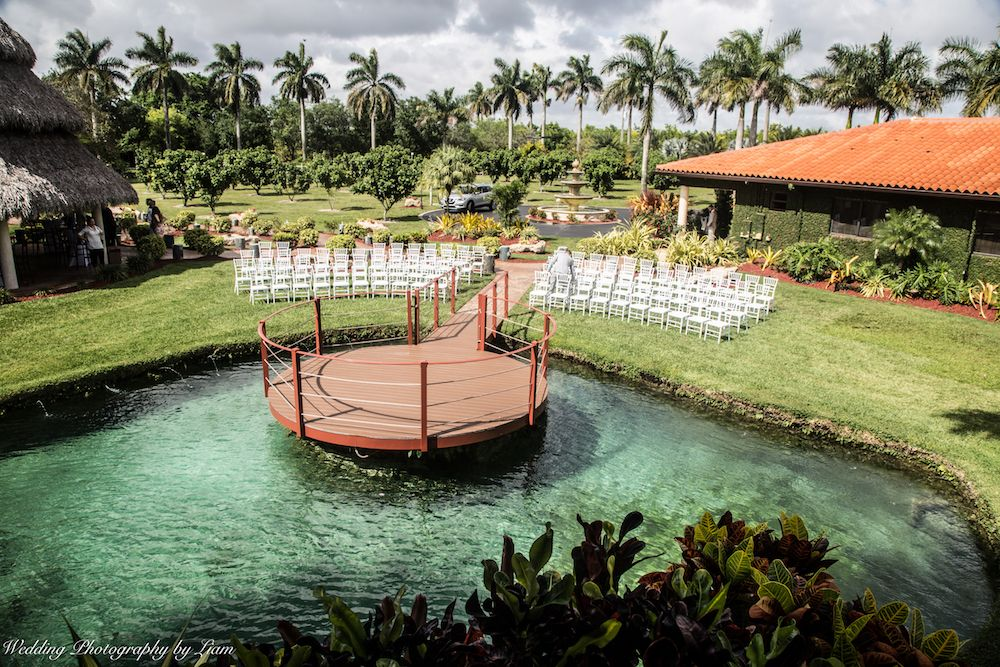 We love Longans Place for weddings!