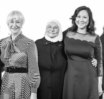 What a tremendous honour to have the fabulous Oscar winner Ms Helen Mirren announce that Hazar is the National Honouree of L'Oréal Paris for 2018! We are so humbled by the love and encouragements that we have received today! _____________________  Quel immense honneur d'avoir la fabuleuse gagnante d'un Oscar Madame Helen Mirren annoncer que Hazar est l'honorée 2018 de L'Oréal Paris! Nous sommes très touchés par l'amour et l'encouragement que nous avons reçu aujourd'hui!