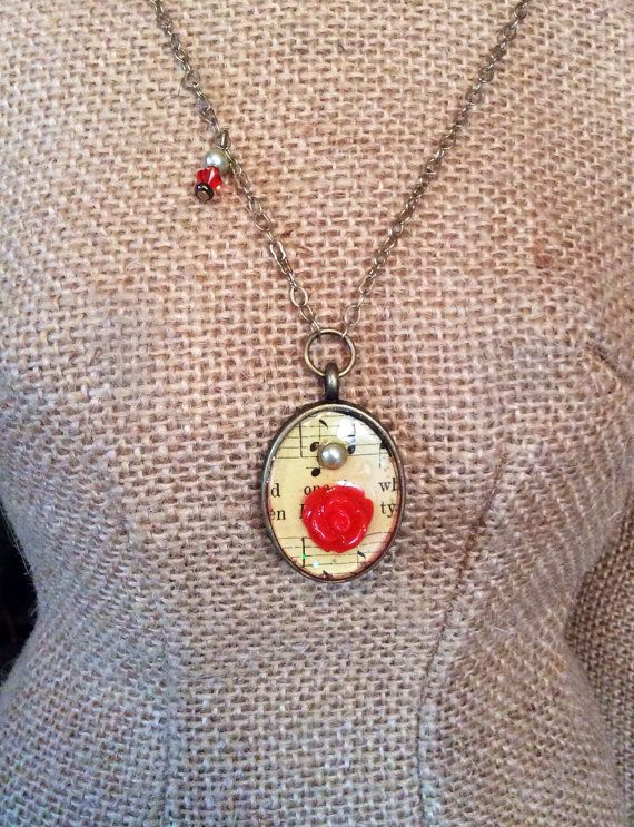 Music and Flower Necklace by Forgetmenotkeepsake on Etsy, $15.00