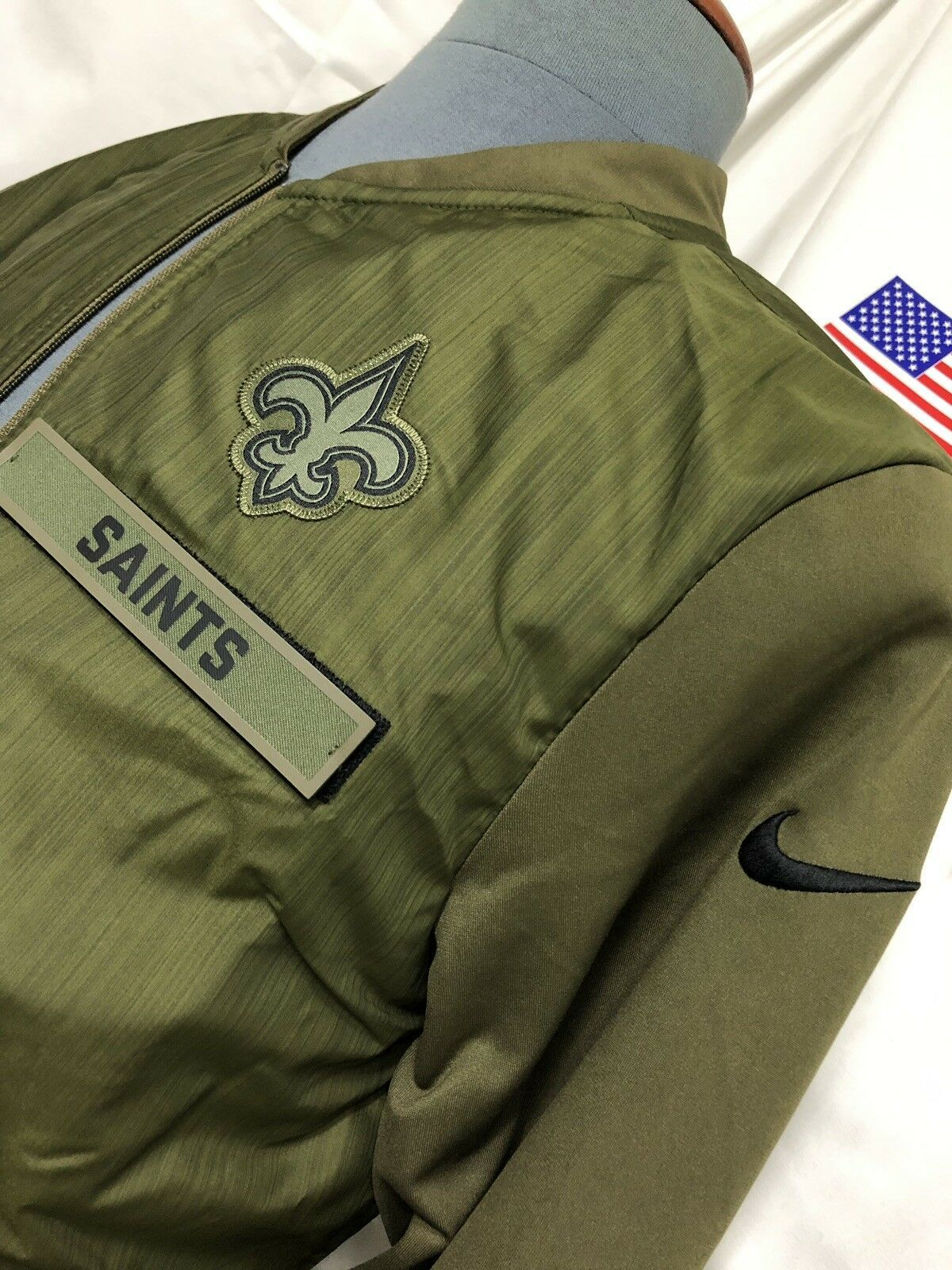 NEW Men/'s New Orleans Saints Salute to Service Sideline Therma Sweatshirt Hoodie