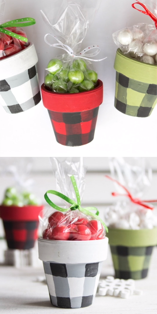 Cute and easy buffalo check painted pots are a great homemade Christmas gift idea or decor! Click for full tutorial! #Christmas #Christmascrafts  #buffaloplaid #buffalocheck #paintedcrafts #easycrafts
