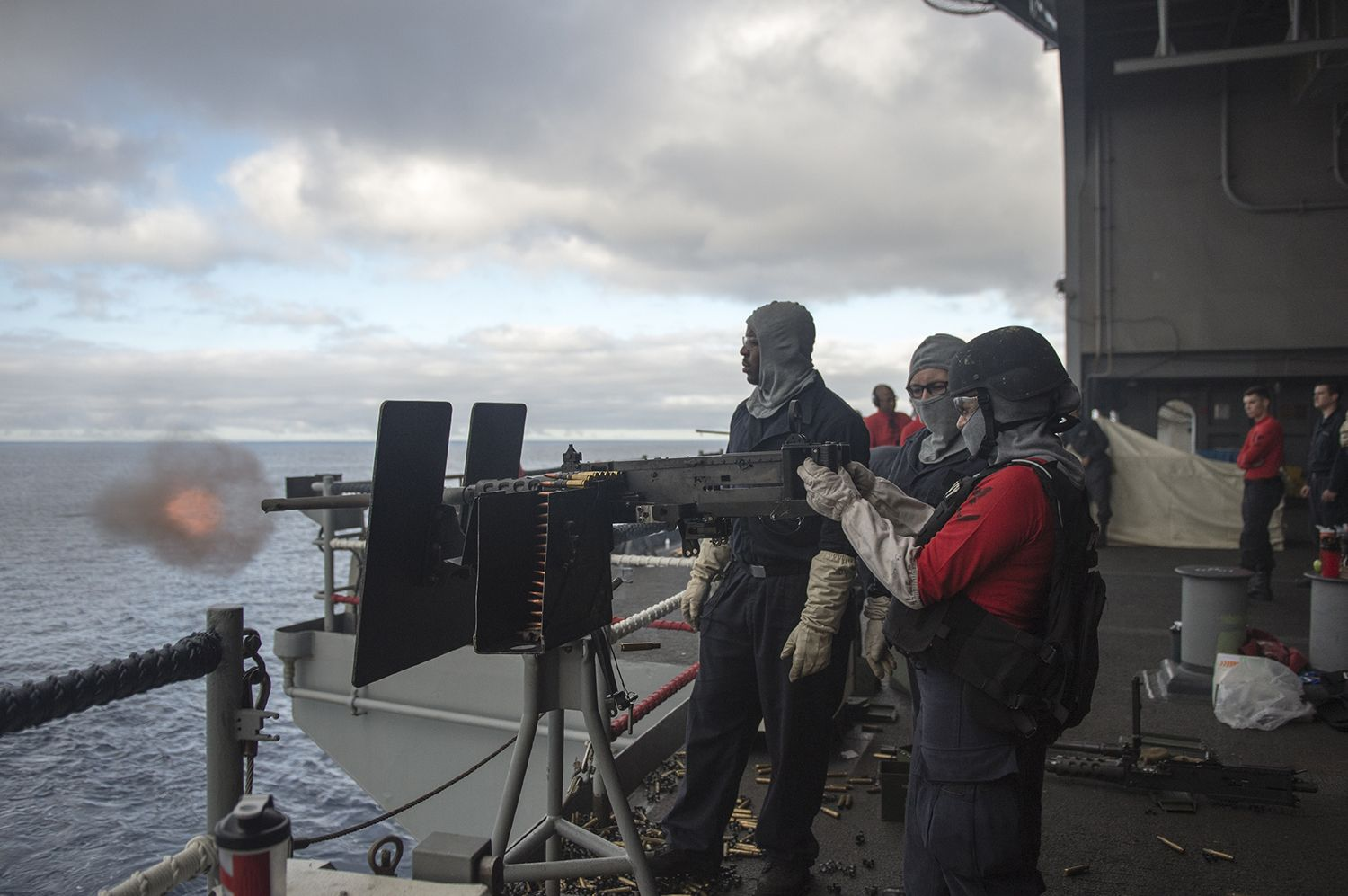 PACIFIC OCEAN (Sept. 13, 2015) Sailors from weapons department participate in a live-fire exercise aboard the aircraft carrier USS George Washington (CVN 73). George Washington is operating in Southern California waters, preparing to deploy around South America as a part of Southern Seas 2015. (U.S. Navy photo by Mass Communication Specialist Seaman Clemente A. Lynch/Released)