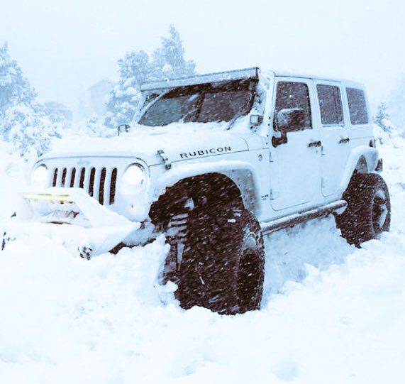 A Little Snow Can T Stop A Jeep Dream Cars Jeep Jeep Rubicon Jeep