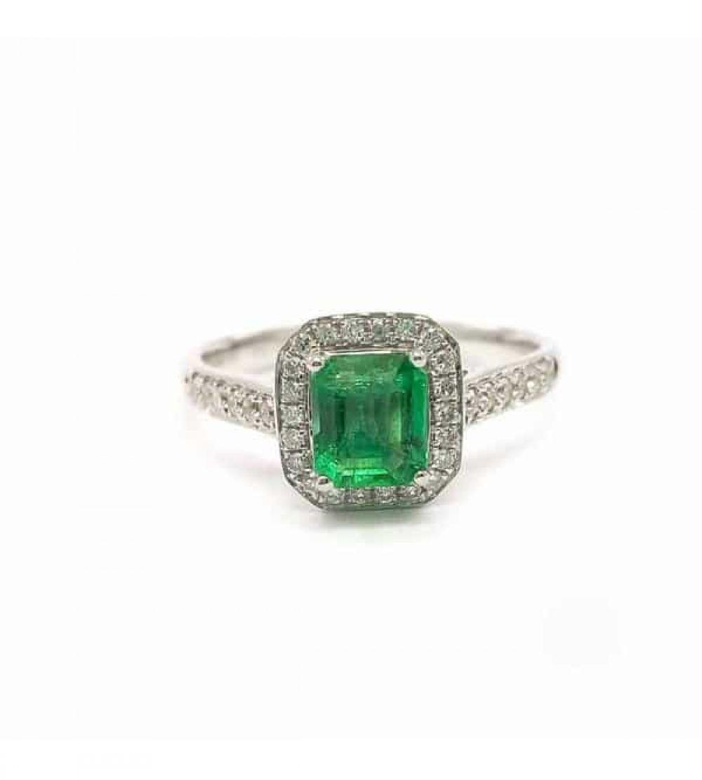 [$1007] 18K Emerald Ring Octagon 0.72 Cts @minigrinlv #emerald #emeraldjewelry #finejewelry #finejewelrydesign #gemstonejewelry #gemstonering #jewelryaddict