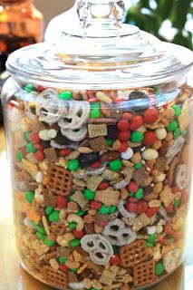 Holiday Snack Mix in a Jar –Use a mini scoop & cupcake liners for serving–